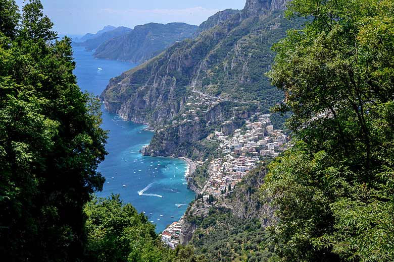 View of Positano from the 'Path of the Gods' © Jürgen Mangelsdorf - Flickr Creative Commons