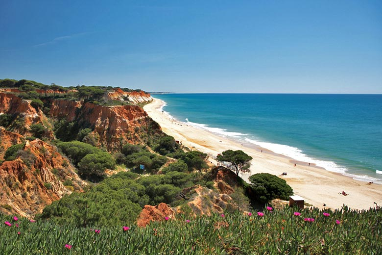 Praia da Falesia, Algarve © Porto Bay Trade - Flickr Creative Commons