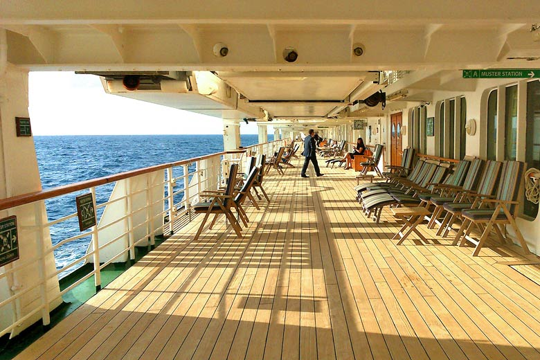 Promenade Deck on the Oriana © Toby Charlton-Taylor - Flickr Creative Commons