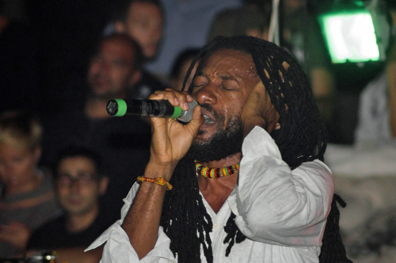 Reggae in Jamaica © Fallostupido  Dreamstime.com - Junior Kelly