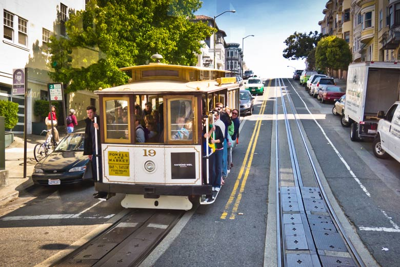 Riding the cable car, San Francisco, California, USA © Benson Kua - Flickr Creative Commons