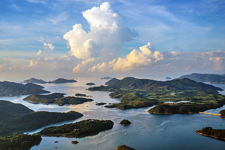 View over Rocky Harbour, Sai Kung Volcanic Rock Region © Ching Ching Tsui - Wikimedia Commons
