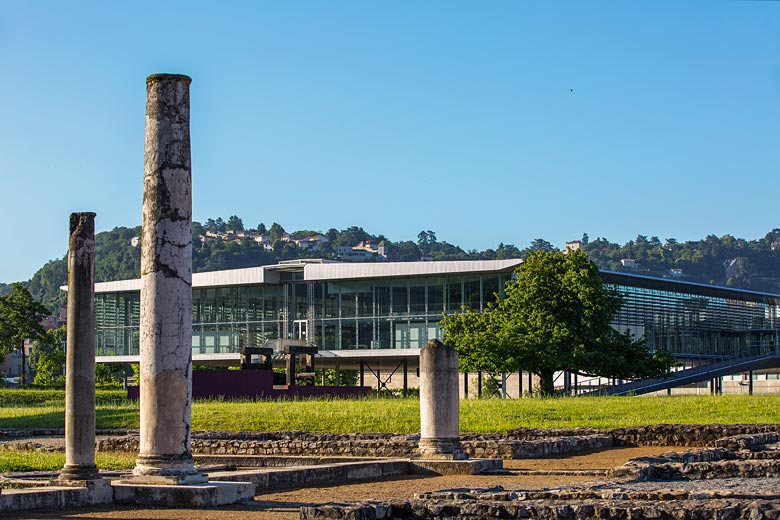 Column ruins in the grounds of the Musée Gallo-Romain, Vienne © Patrick Ageneau - courtesy of Vienne Tourism