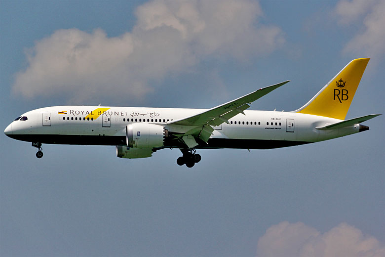 Royal Brunei Airlines Boeing 787-8 Dreamliner © Afpwong - Wikimedia Commons