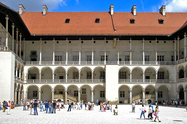 Courtyard of the Royal Castle in Kraków © Gryffindor - Wikimedia Commons