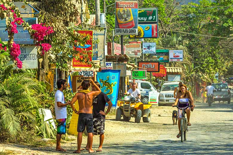 Santa Teresa, the hippest beach hangout in the land © Rob Francis - Alamy Stock Photo