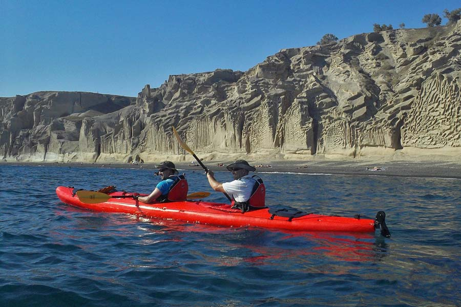 Sea kayaking, Santorini - photo courtesy of www.santoriniseakayak.com