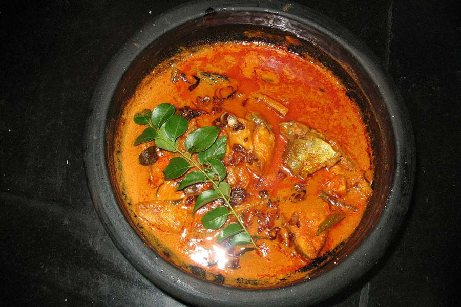 Seafood curry, Kerala © Kalakki - Wikimedia Commons