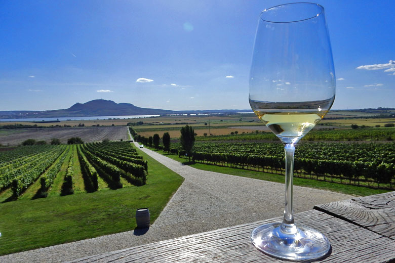Enjoy a cool white wine at Sonberk while looking across to the Palavá Hills © Kirsten Henton