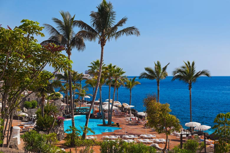 Hotel on the south coast, Tenerife © Nikolai Sorokin - Fotolia.com