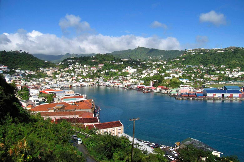 The small town of St George's, capital of Grenada © Cowbell Solo - Flickr Creative Commons