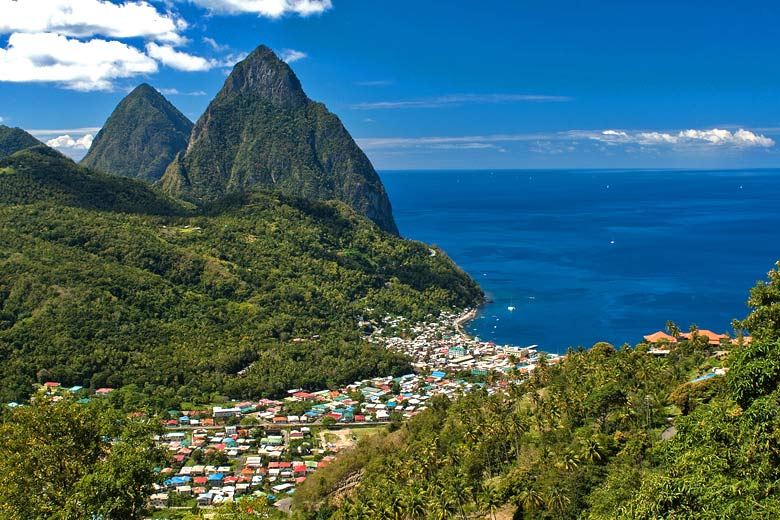 Soufriere, St Lucia on a clear day in July © Juan Charvet - Flickr Creative Commons