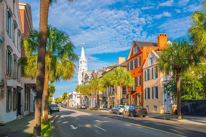 The gleaming steeple of 18th-century St Michael's Church in historic Charleston © f11photo - Fotolia.com
