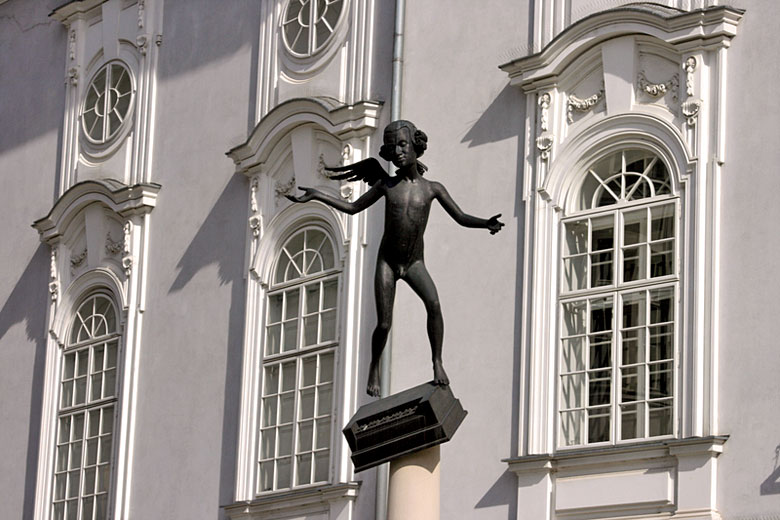 The unusual statue of Mozart outside the Reduat Theatre © Milenka 13 - Dreamstime.com