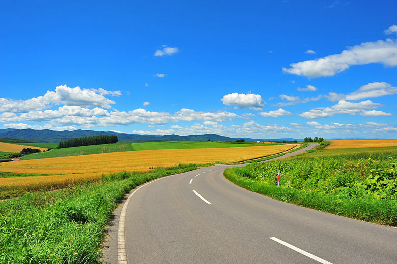 Clear summer day in Hokkaido, Japan © Karinkamon - Fotolia.com