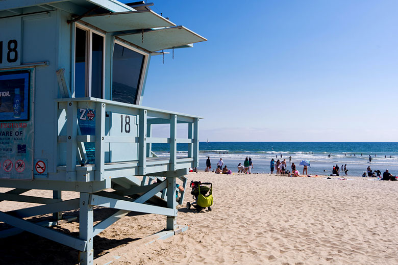 Summertime on Venice Beach, Los Angeles © Curved Light USA - Alamy Stock Photo