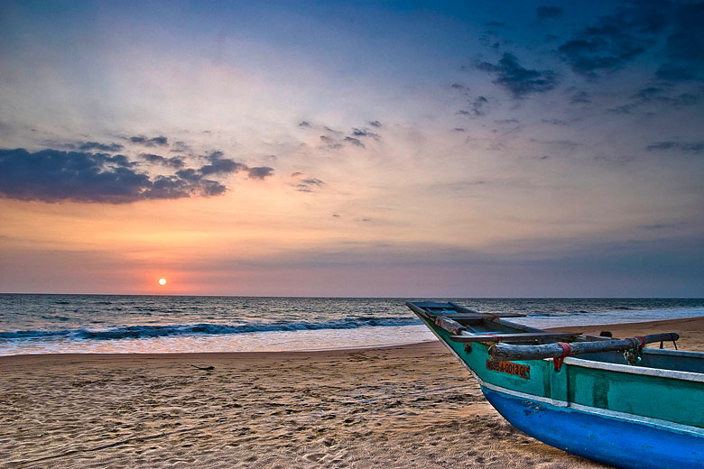 Sunset on Kosgoda Beach, Sri Lanka © Hafiz Issadeen - Flickr Creative Commons