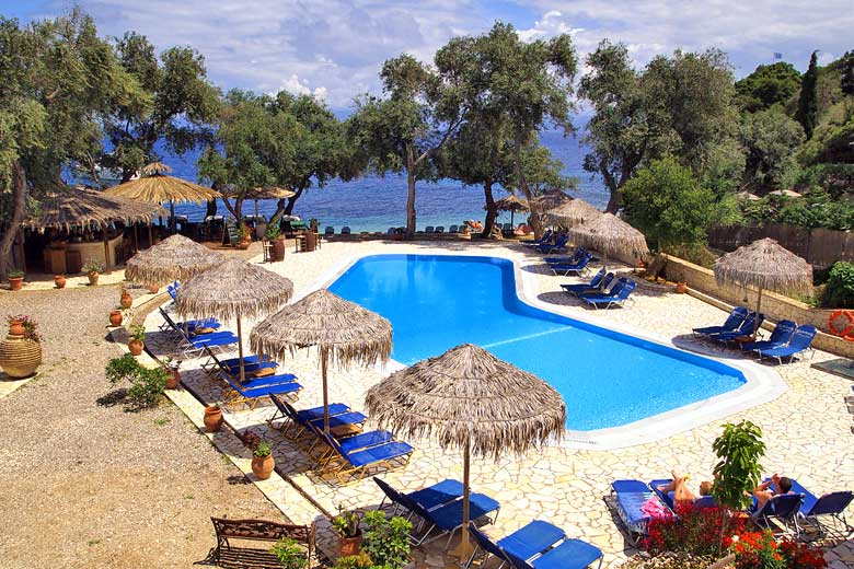 The swimming pool at Monodendri Beach, Paxos © Smoobs - Flickr Creative Commons