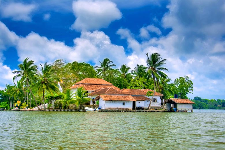 Temple on Madhuwa Island in the Madu river, Sri Lanka © Eranda - Fotolia.com