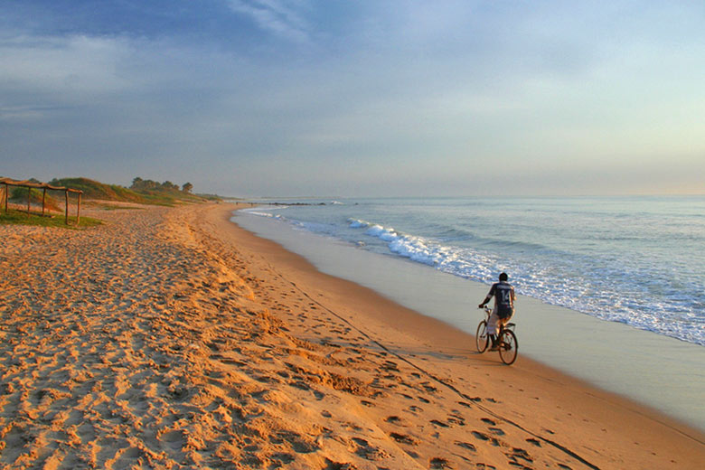 Atlantic coast, Gambia © Mishimoto - Flickr Creative Commons