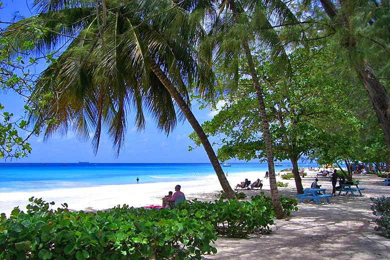 The turquoise sea at Brownes Beach, Barbados © Gemtek1 - Flickr Creative Commons