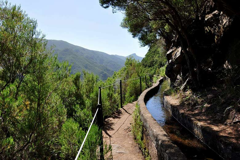 Typical Madeiran levada path with handrail © Anagh - Wikimedia Commons