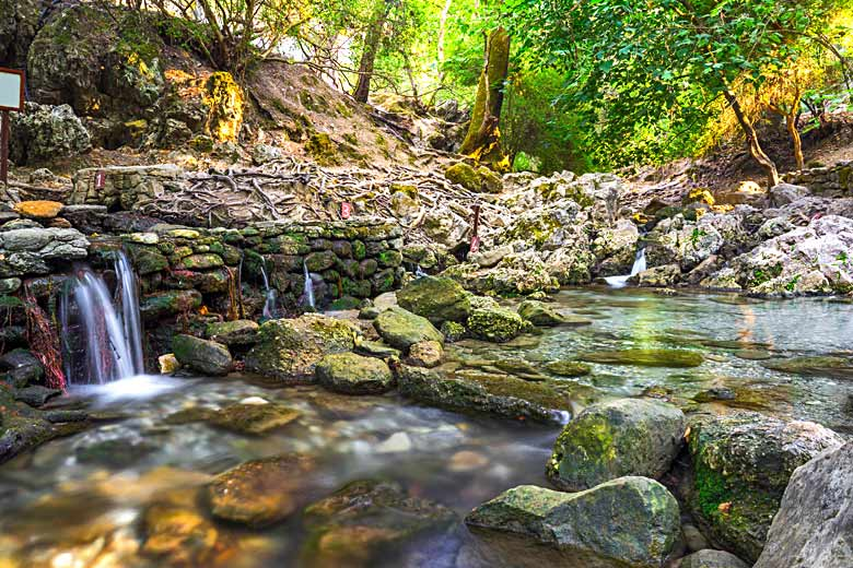 Shaded valley and stream at the Seven Springs © Ian Woolcock - Alamy Stock Photo