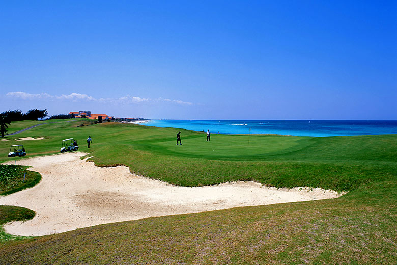 Varadero golf course, Cuba © Greg Balfour Evans - Alamy Stock Photo
