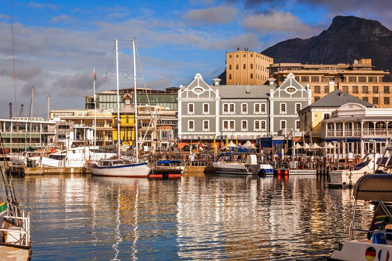 Victoria and Albert Waterfront, Cape Town © mdmworks - Fotolia.com