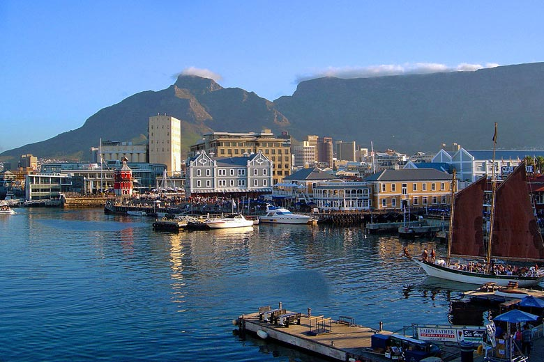 Victoria & Albert Waterfront, Cape Town, South Africa © Andreas Tusche - Wikimedia Commons