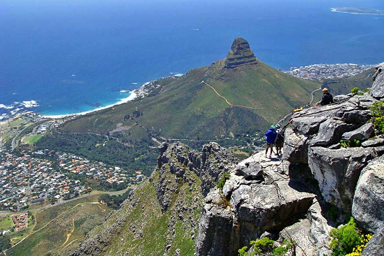 One of the views from the top of Table Mountain © Jorge Láscar - Wikimedia Commons