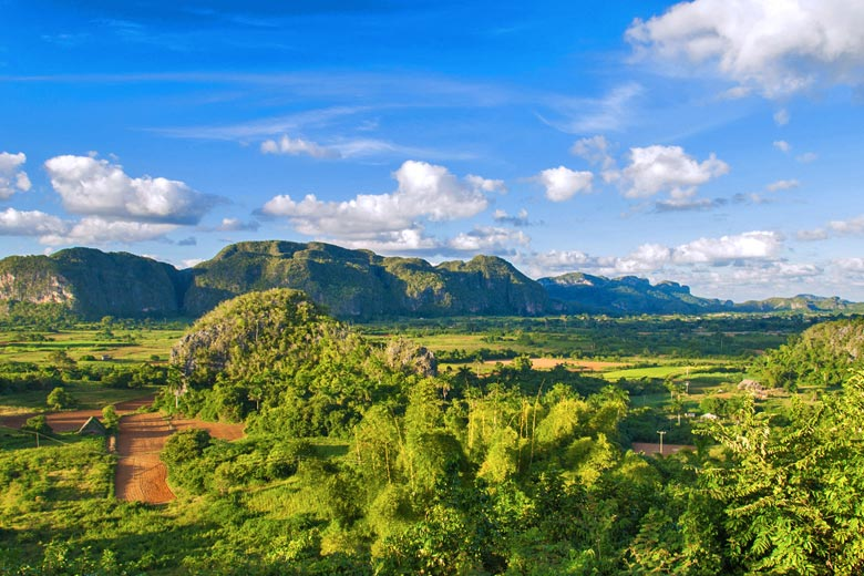 The stunning landscape of Viñales © Stephen Jacoby - Fotolia.com