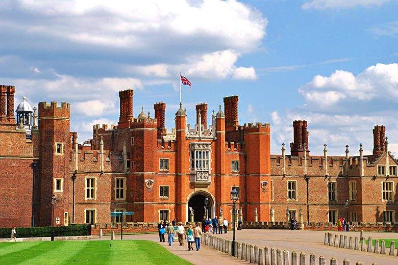 Visit to Hampton Court Palace © traveljunction - Flickr Creative Commons