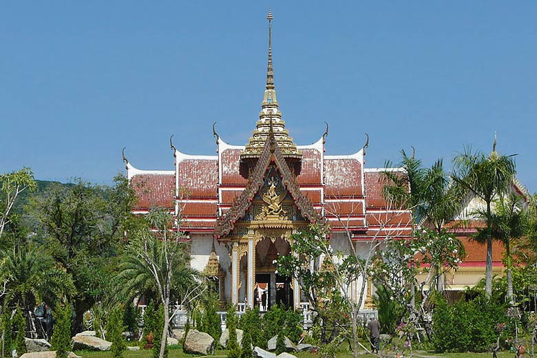Wat Chalong temple, Phuket © Gossipguy - Wikimedia Commons