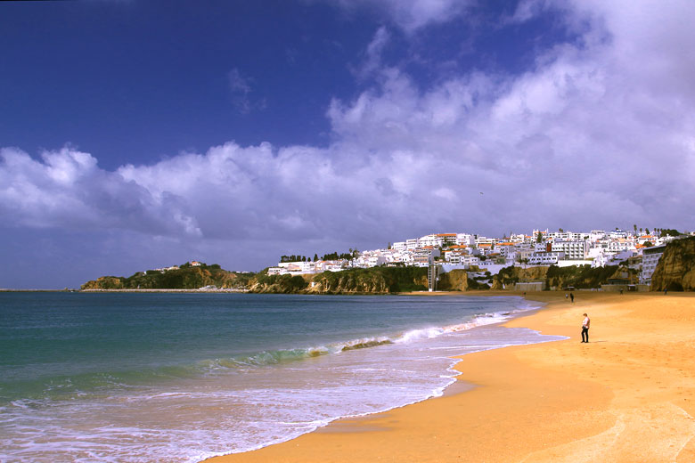 Albufeira in March © Simplethrill - Flickr Creative Commons