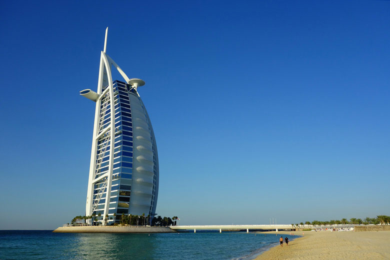 Burg Al Arab Hotel, Dubai, UAE © kun0me - Flickr Creative Commons