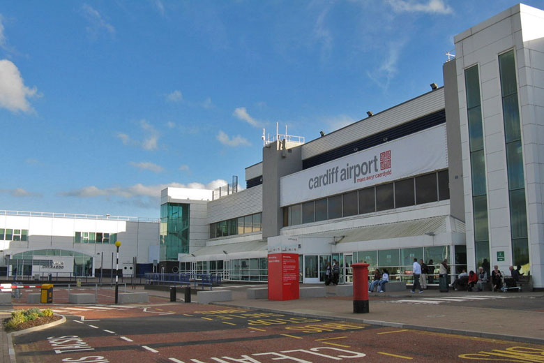Cardiff Airport parking deals & discount codes © MJ Richardson - Wikimedia Commons