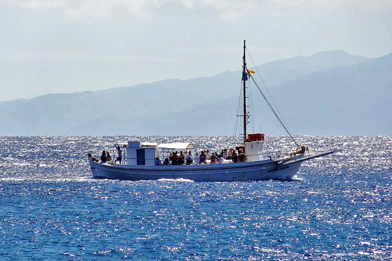 Boat trip from Mykonos © Olaf Tausch - Wikimedia Commons