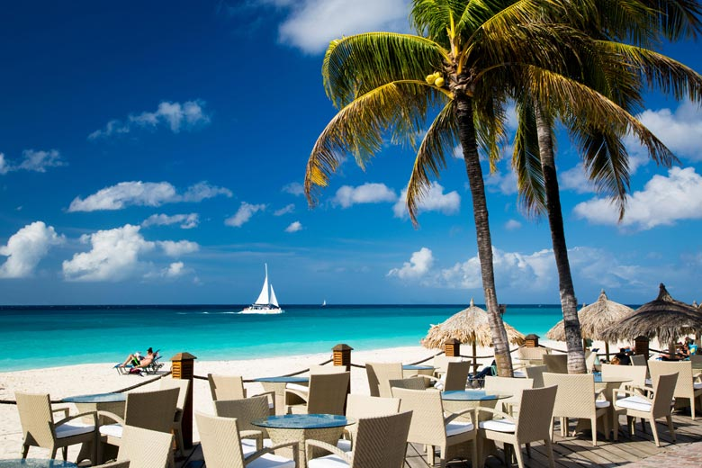 Divi Resort, Aruba - Caribbean honeymoons © Brian Jannsen - Alamy Stock Photo