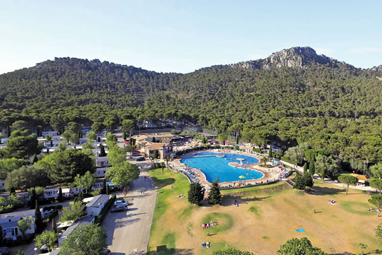 Eurocamp encourages 2021 bookings with Peace of Mind Promise © Eurocamp