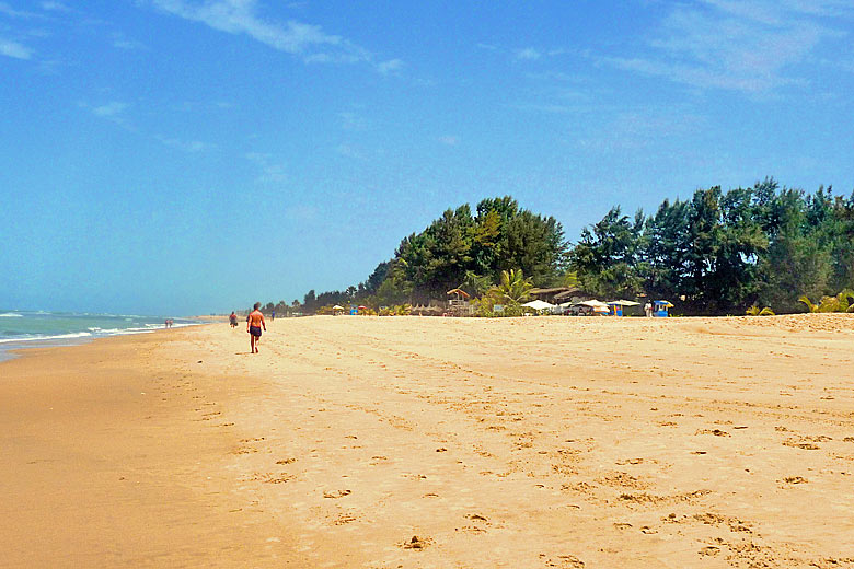 Gambia's beaches are long and wide © Martijn Russchen - Flickr Creative Commons