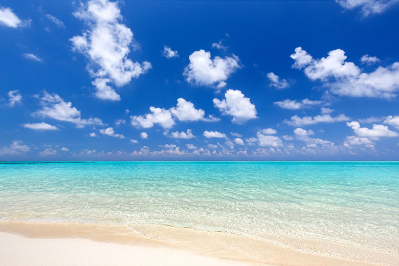 Weather averages help find warm sea temperatures all year round © S Borisov - Fotolia.com