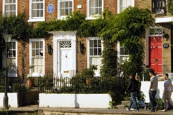 Discover London's blue plaques this Bank Holiday with English Heritage