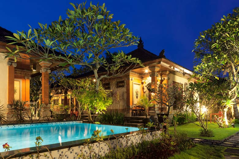Luxury accomodation on your cheap holiday to Bali © arsdigital - Fotolia.com