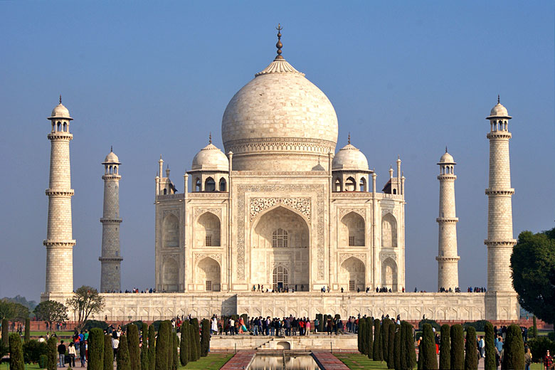 India's magnificent Taj Mahal © Ramón - Flickr Creative Commons