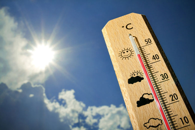 Measuring average daytime maximum temperatures © tcsaba - Fotolia.com