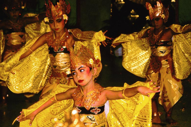 Discover the rich culture of Bali on your honeymoon © Dominic Alves - Flickr Creative Commons