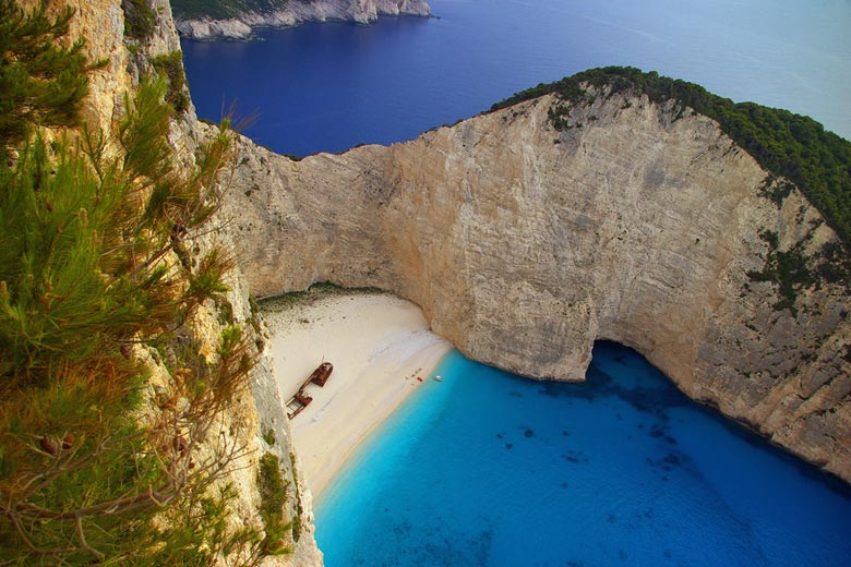 Navagio Beach, Zante Greece © RHiNO NEAL - Flickr Creative Commons