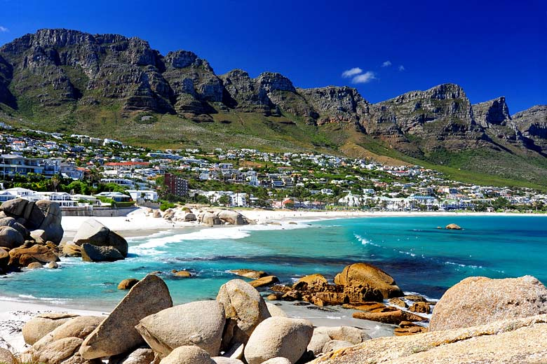 Summer day in Camps Bay, Cape Town © Gooner Chris - Flickr Creative Commons