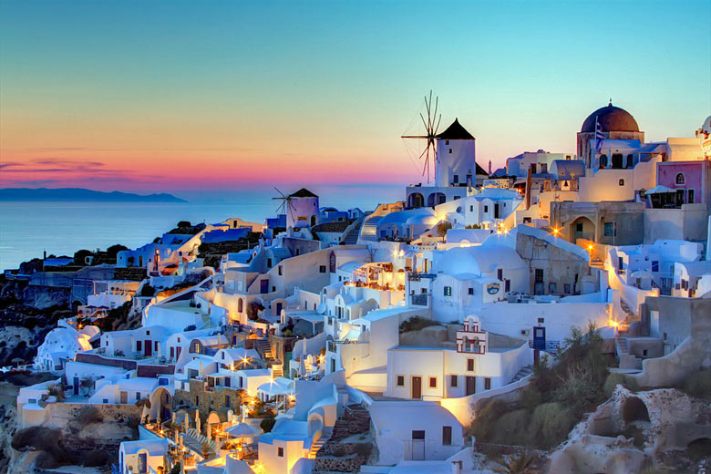 Sunrise over Santorini © Pedro Szekely - Flick Creative Commons